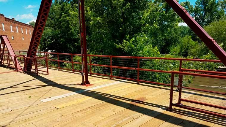 Closeup view of Glendale bridge deck