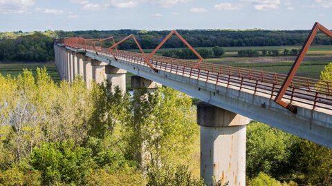 Great American Rail-Trail high trestle bride in Iowa