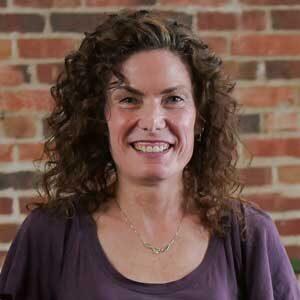 Liz Boyer headshot