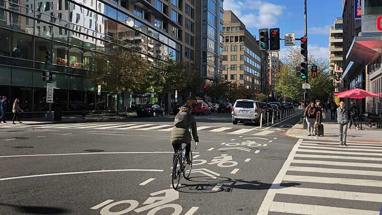 Urban cycling in downtown DC