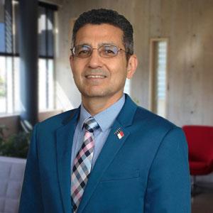 Auref Aslami headshot