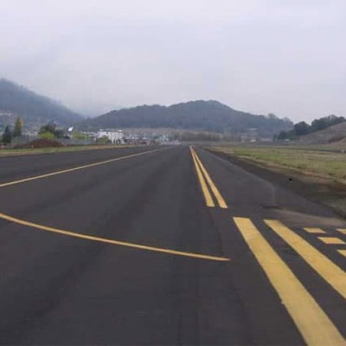 Paved runway at Roseburg Airport